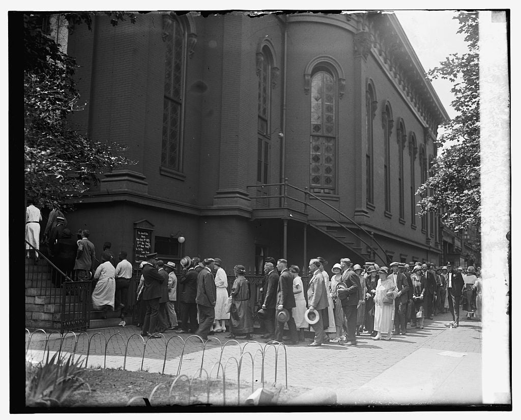 16 x 20 Reprinted Old Photo ofCrowd at church to view body of Wm. J. Bryan, 7/30/25 1925 National Photo Co  23a