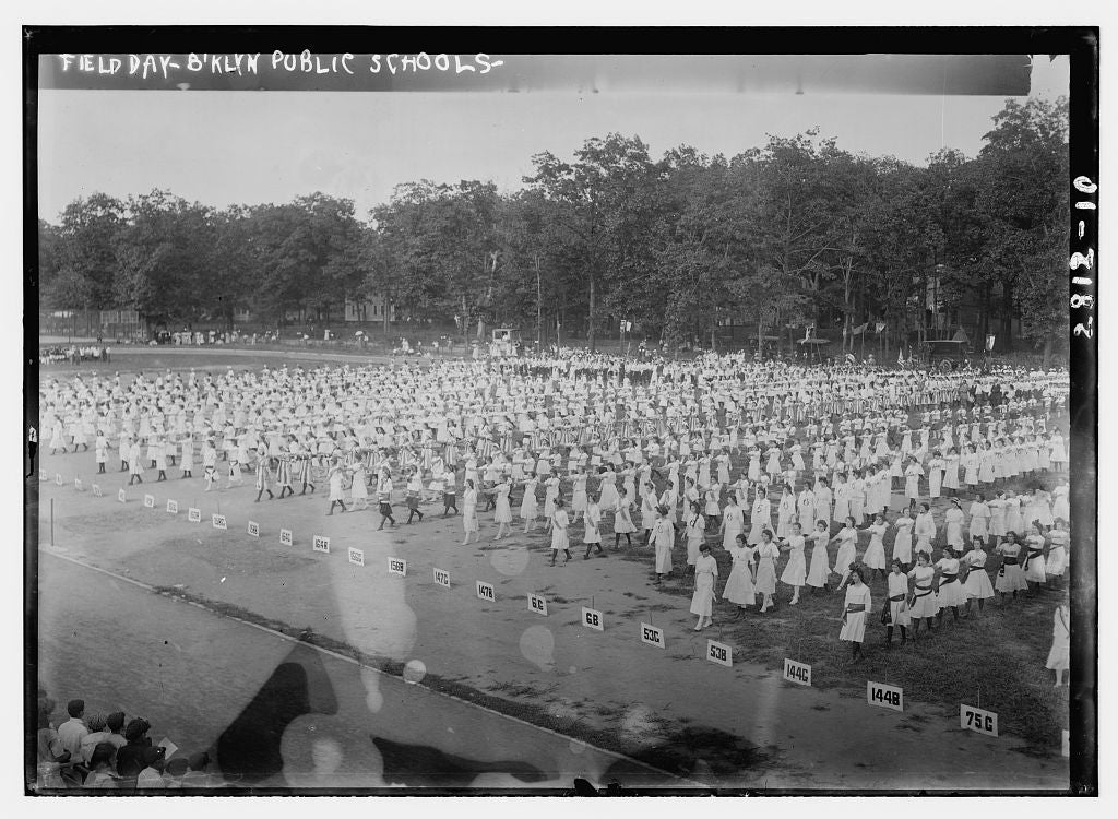 8 x 10 Photo of Field Day-B'klyn Brooklyn public schools 1913 G. Bain Collection 20a
