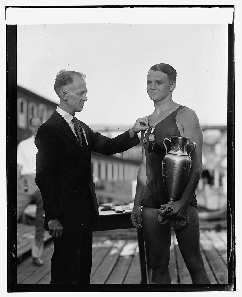 16 x 20 Reprinted Old Photo ofD.C. Crain & Clarence Ross, 1st Nat'l Long Dis. Swimming Race, 8/22/25 1925 National Photo Co  29a