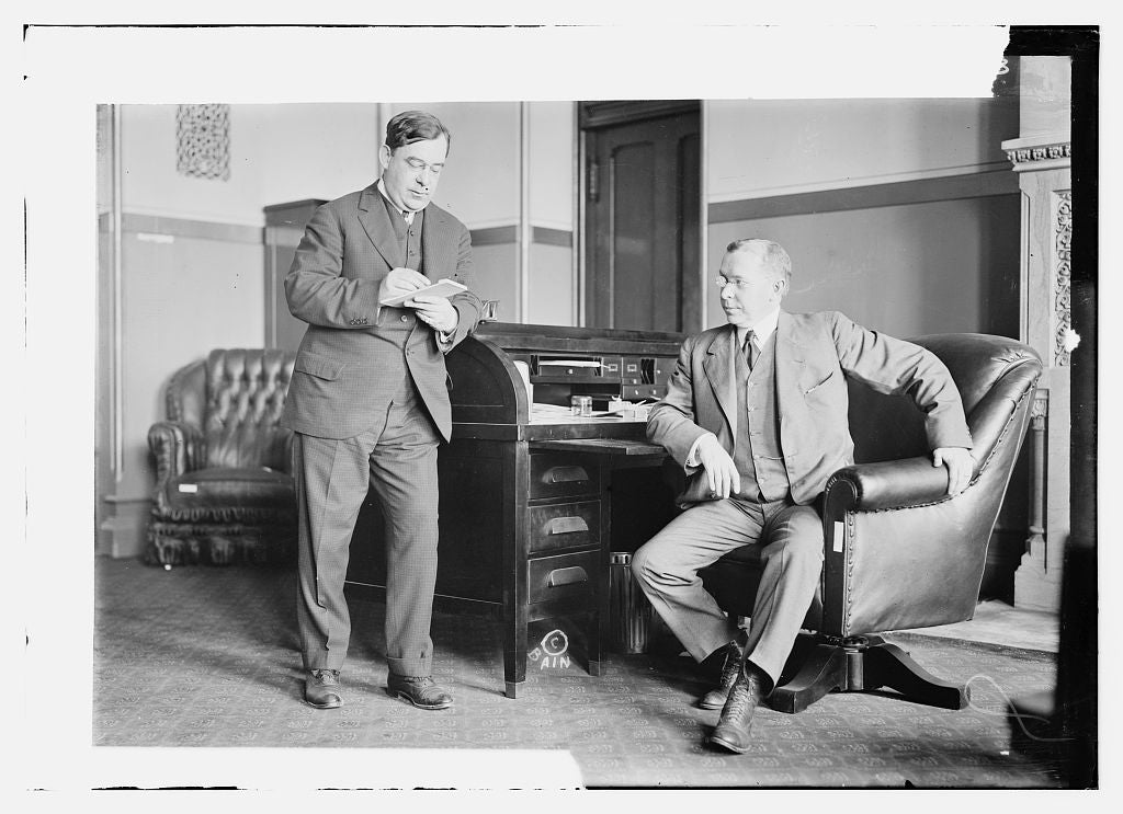 8 x 10 Photo of Secy. Tierney and Gov. Glynn 1913 G. Bain Collection 11a