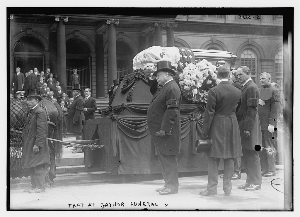8 x 10 Photo of Taft at Gaynor funeral 1913 G. Bain Collection 13a