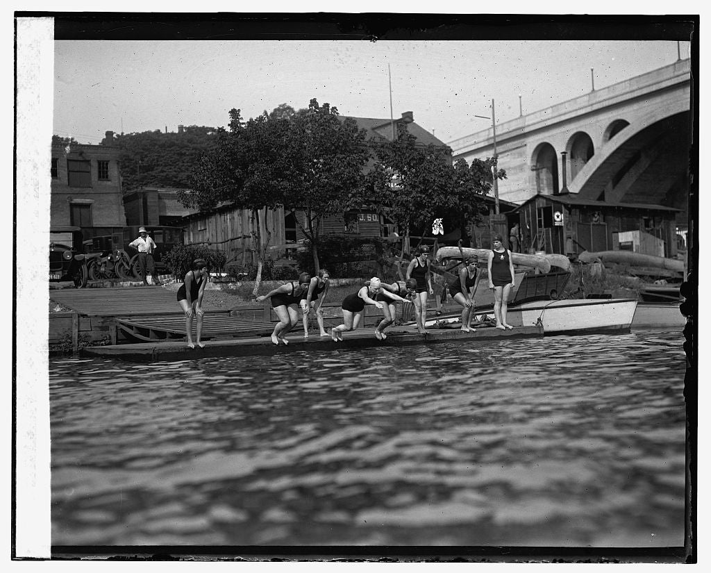 16 x 20 Gallery Wrapped Frame Art Canvas Print of Potomac Boat Club 1925 National Photo Co  73a