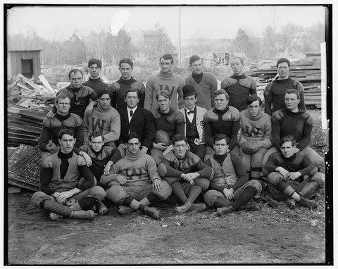 8 x 10 Reprinted Old Photo of Geo. Wash. Football 1905-45 Harris & Ewing 64a