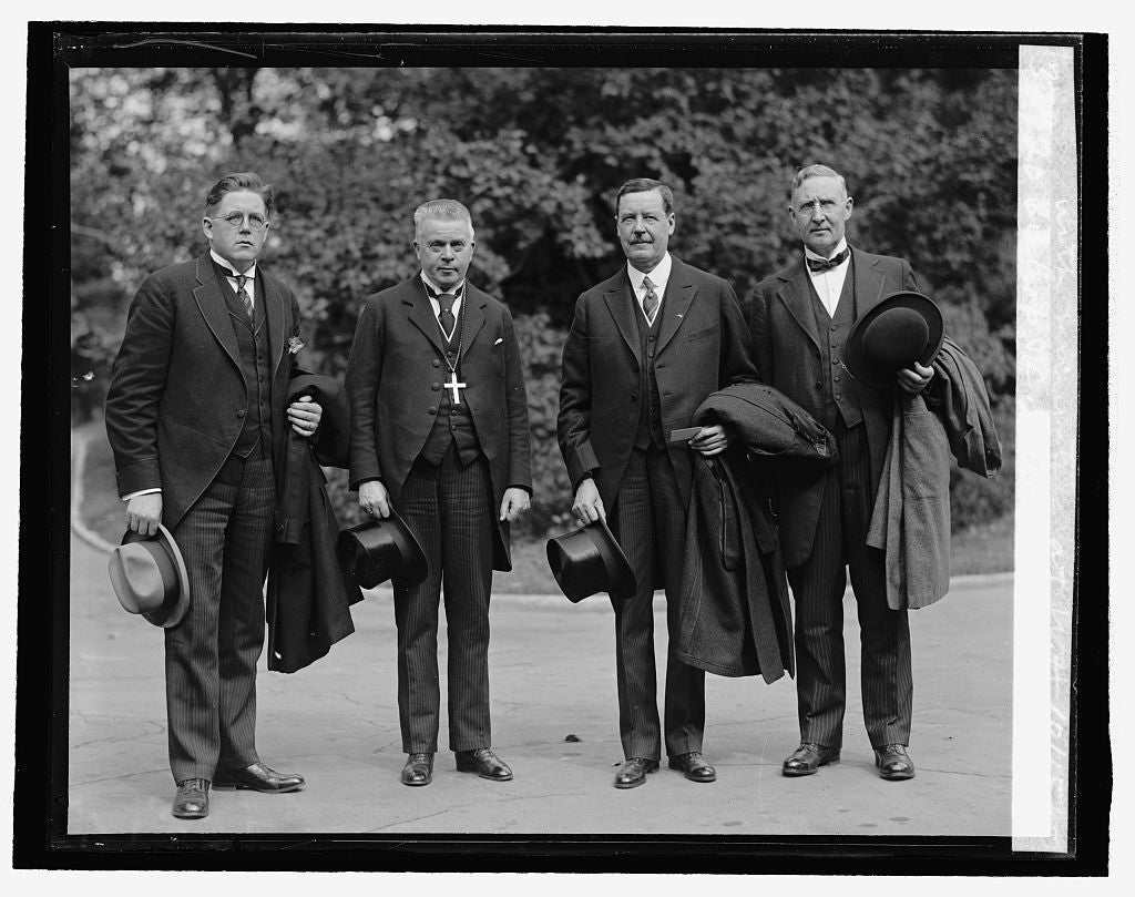 16 x 20 Reprinted Old Photo ofBishop J.C. Petersen of Norway with ministers at W.H., 10/15/25 1925 National Photo Co  46a