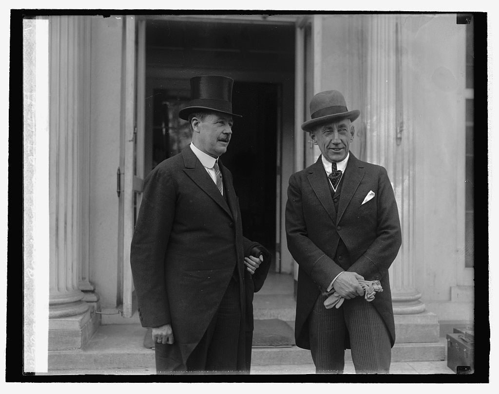 16 x 20 Reprinted Old Photo ofMinister Brun & Roald Amundsen at W.H., 10/21/25 1925 National Photo Co  52a