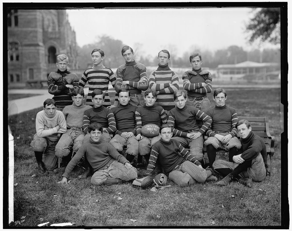 8 x 10 Reprinted Old Photo of Georgetown Football, Jr. 1906 Harris & Ewing 38a