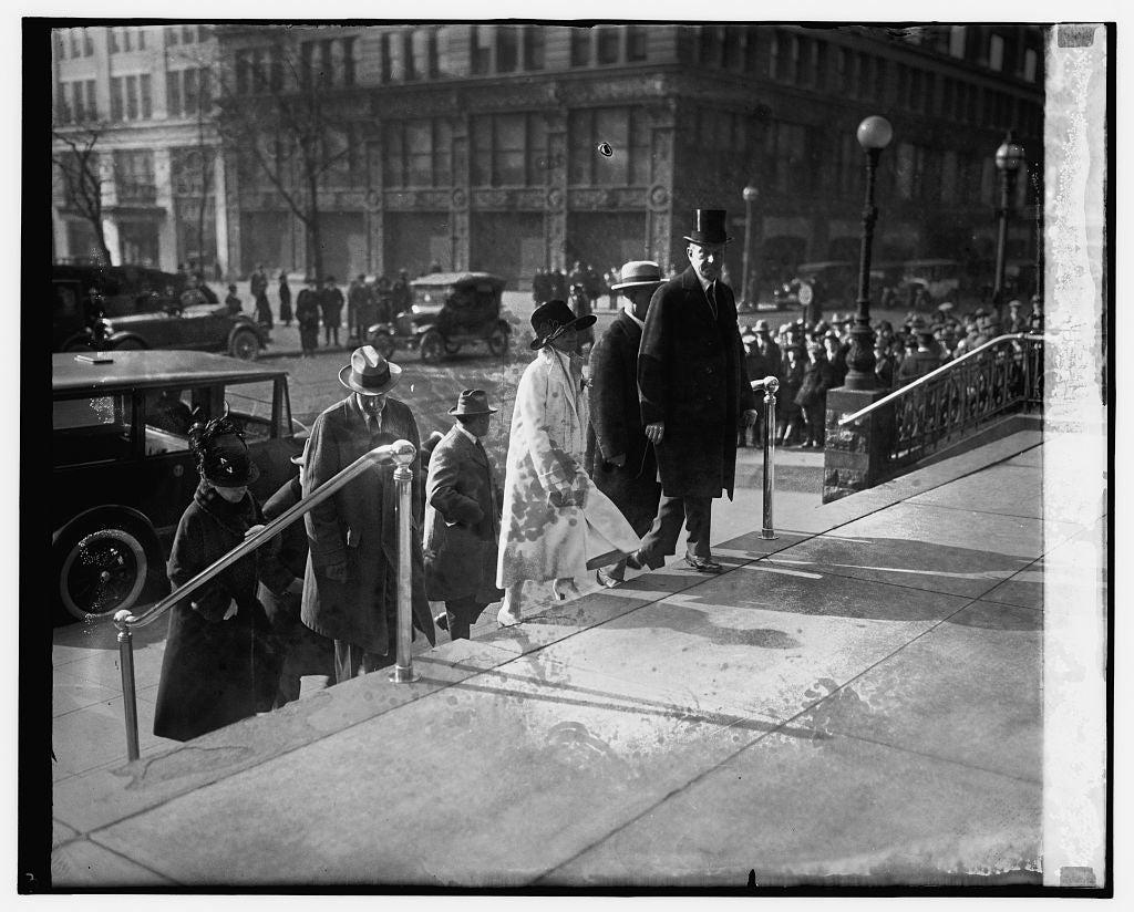 16 x 20 Gallery Wrapped Frame Art Canvas Print of Pres. & Mrs. Coolidge, Thanksgiving Day, 11/26/25 1925 National Photo Co  01a