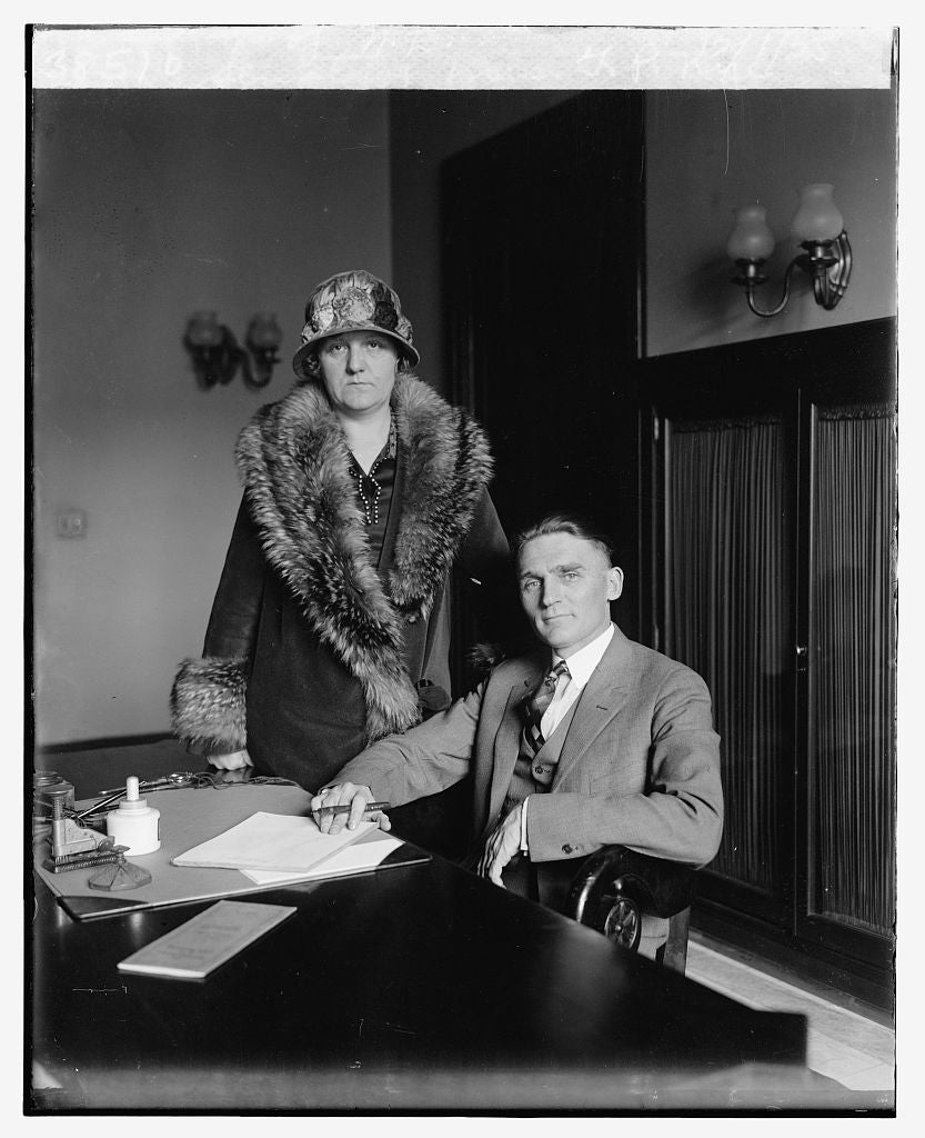 16 x 20 Reprinted Old Photo ofSenator & Mrs. G.P. Nye of N.D., 12/1/25 1925 National Photo Co  77a