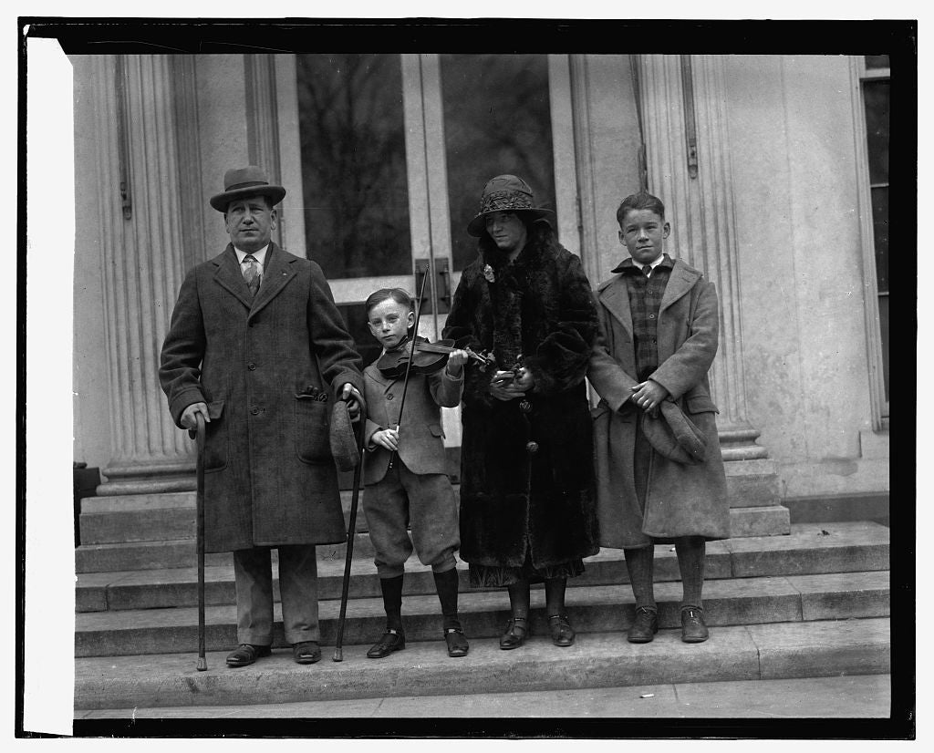 16 x 20 Reprinted Old Photo ofEdward Beyer & family, 12/30/25 1925 National Photo Co  93a