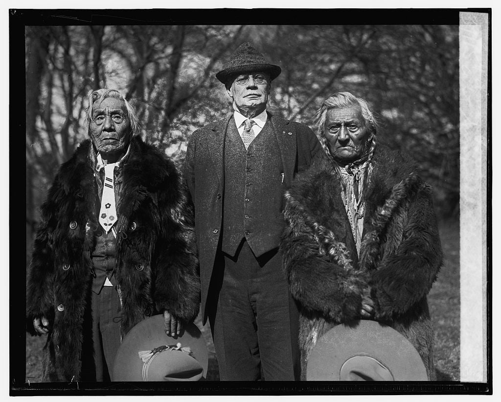 16 x 20 Reprinted Old Photo ofCapt. Sumpkin, Gen. H.T. Scott & Amos Pond, 1/28/26 1926 National Photo Co  71a
