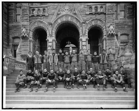 8 x 10 Reprinted Old Photo of Georgetown Football Team 1905-45 Harris & Ewing 69a
