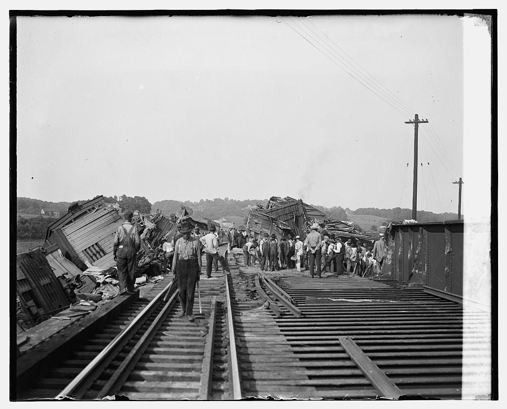 16 x 20 Gallery Wrapped Frame Art Canvas Print of Train wreck at Cameron Run, 7/20/26 1926 National Photo Co  07a