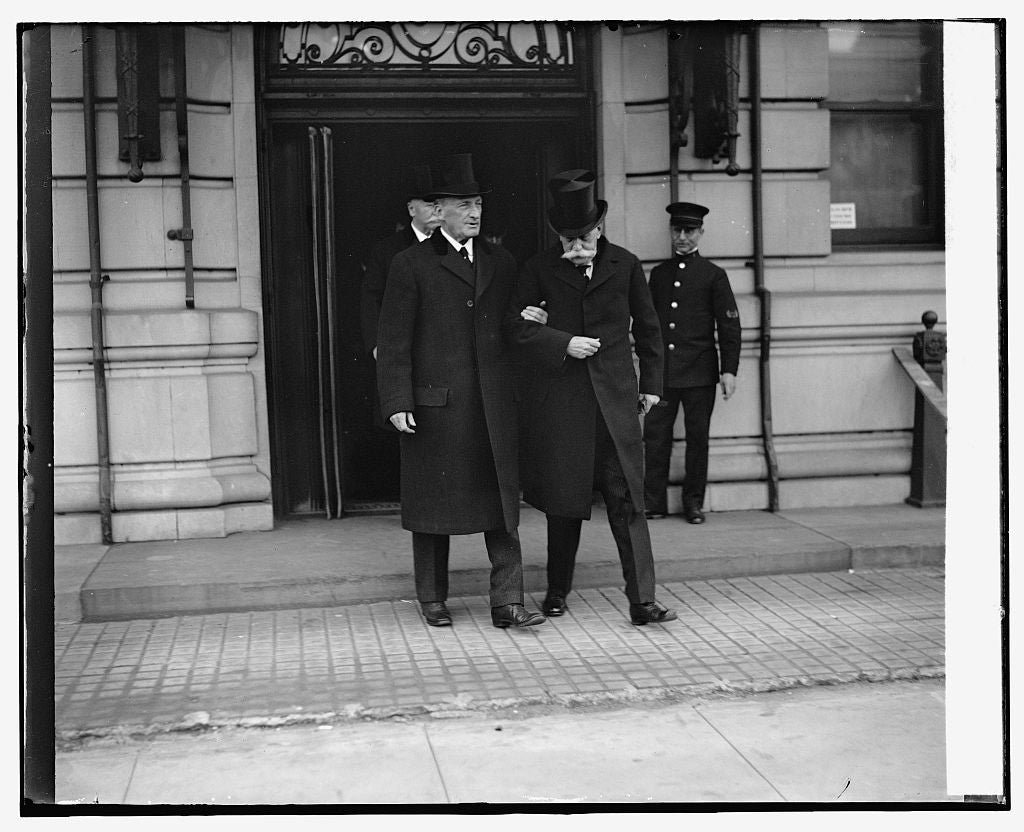 16 x 20 Reprinted Old Photo ofJustice McReynolds & Holmes at funeral of Justice McKenna, 11/22/26 1926 National Photo Co  61a
