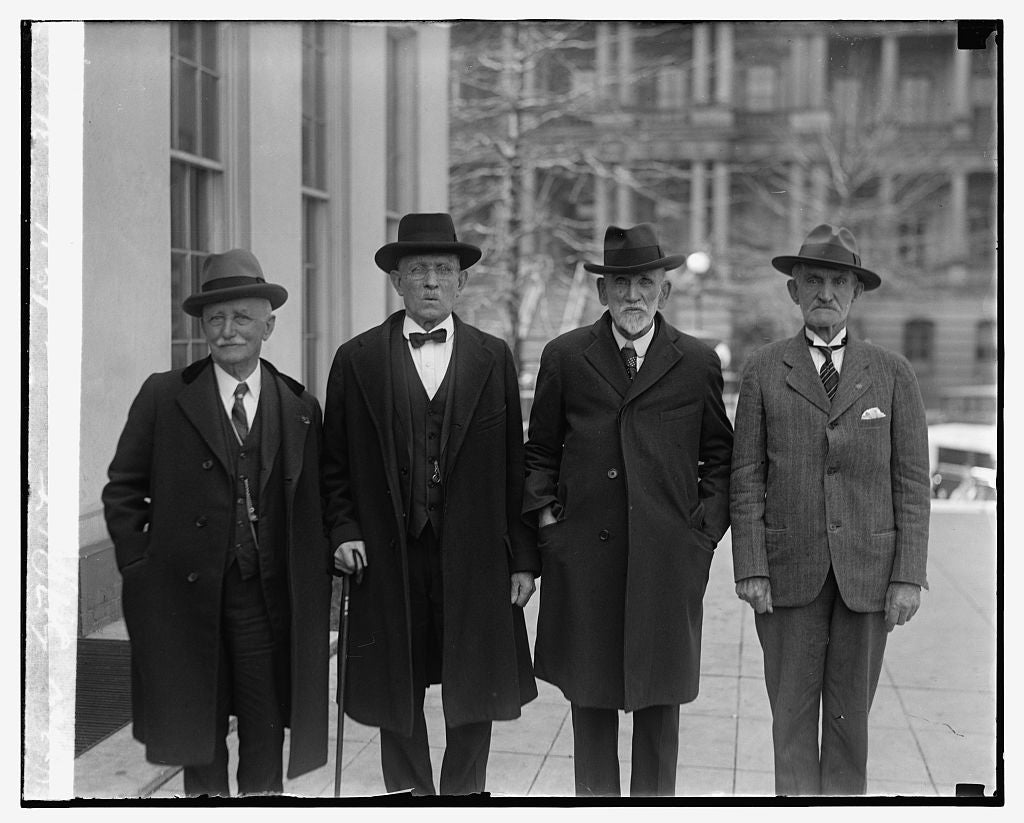 16 x 20 Reprinted Old Photo ofG.A.R. Veterans at White House, 3/18/29 1929 National Photo Co  57a