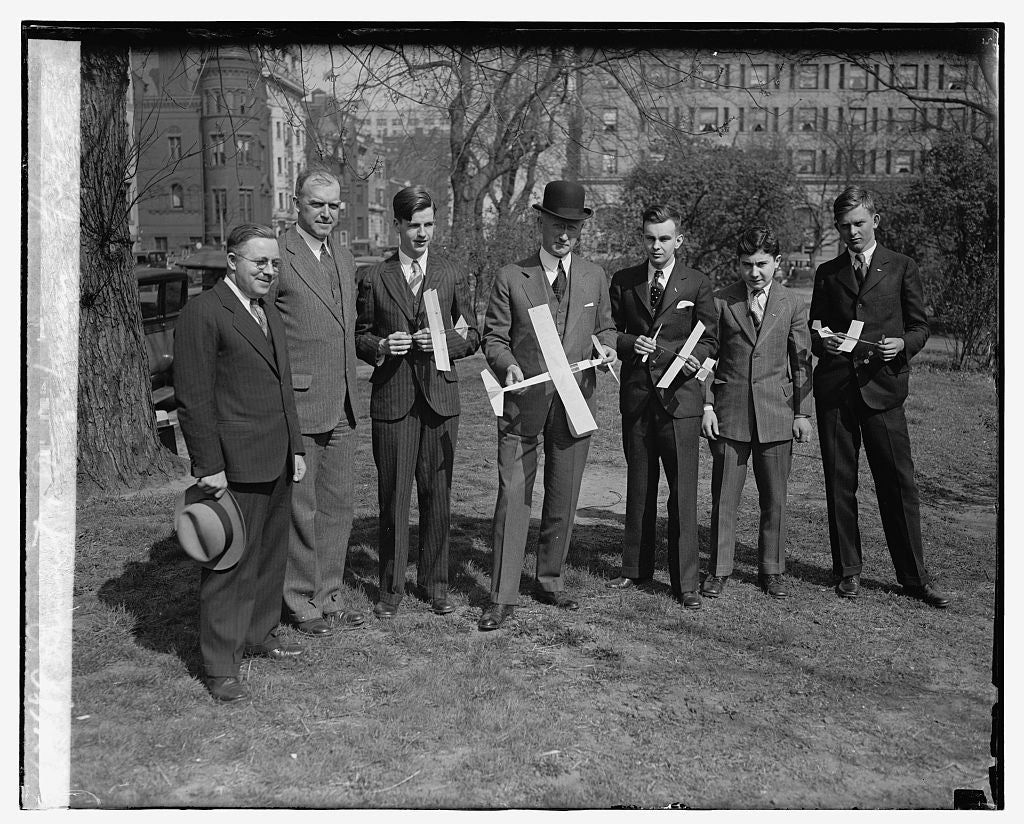 16 x 20 Reprinted Old Photo ofLamont & prize winners, 4/3/29 1929 National Photo Co  24a