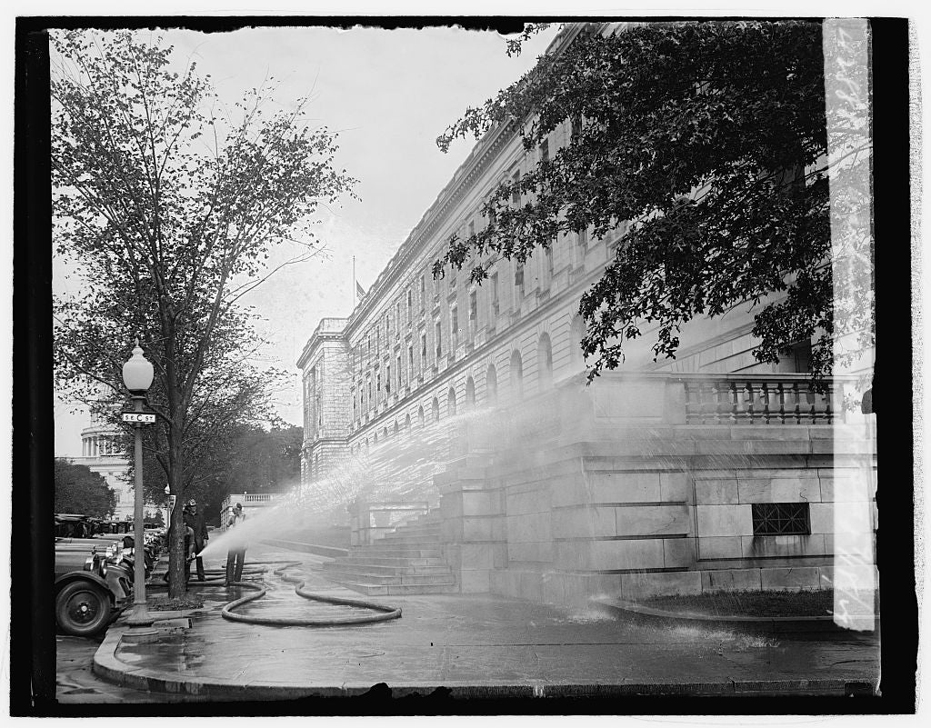 16 x 20 Reprinted Old Photo ofWashing House ofc i.e., office bldg., 9/18/29 1929 National Photo Co  23a