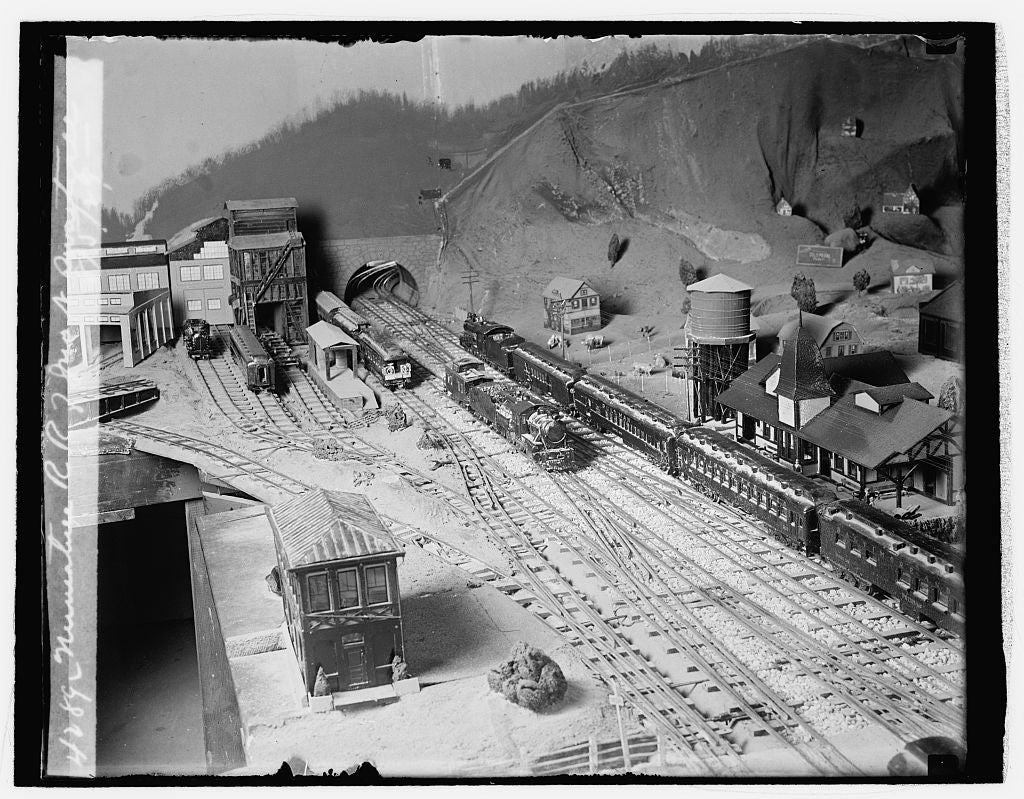 16 x 20 Reprinted Old Photo ofMiniature RR of Jno. N. Swartzell, 8/5/29 1929 National Photo Co  27a
