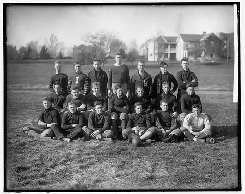 8 x 10 Reprinted Old Photo of Virginia P.I. Sophomore Football Team 1905-45 Harris & Ewing 53a