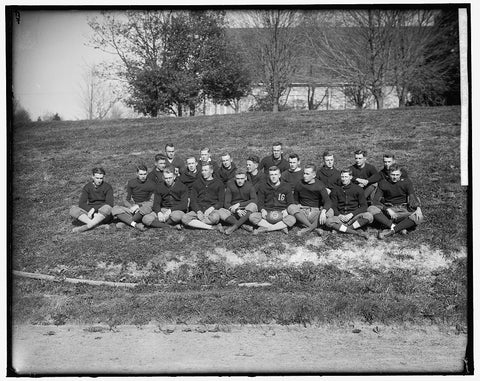 8 x 10 Reprinted Old Photo of Virginia P.I. Senior Football Team 1905-45 Harris & Ewing 60a