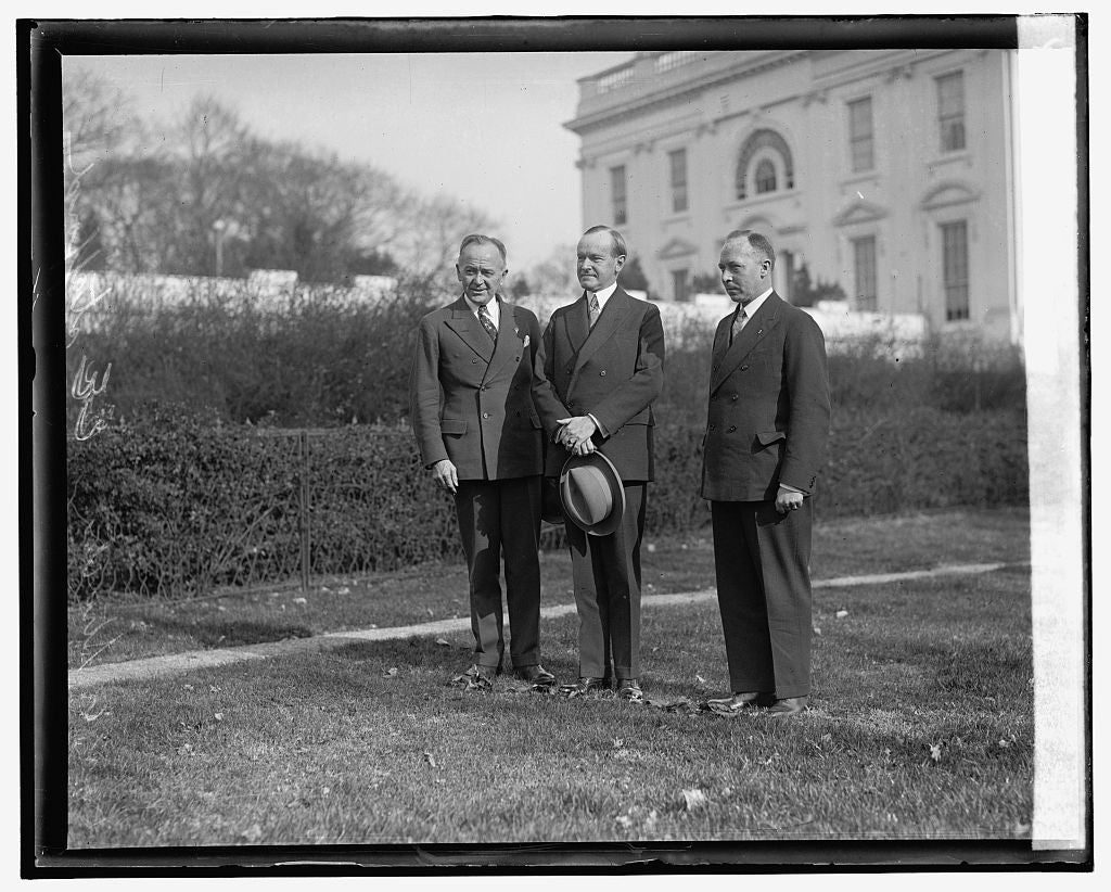 16 x 20 Reprinted Old Photo ofCoolidge and 2 men outside White House 1921 National Photo Co  83a