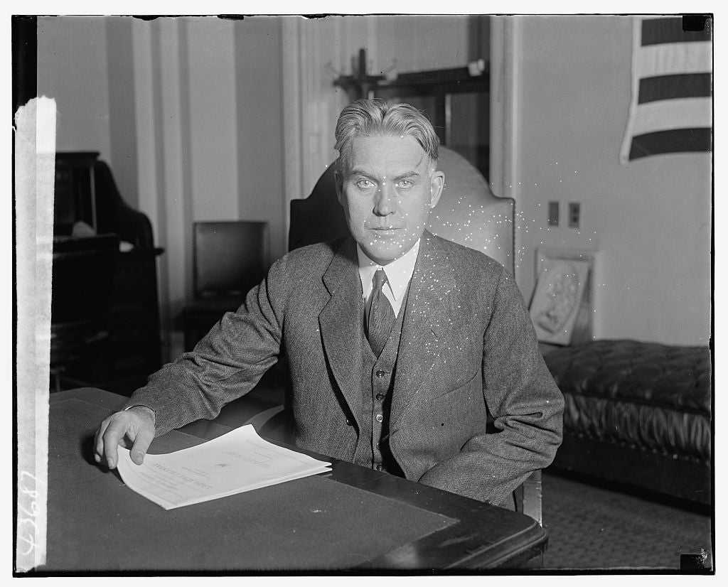 16 x 20 Gallery Wrapped Frame Art Canvas Print of Unidentified man, seated at desk 1921 National Photo Co  03a