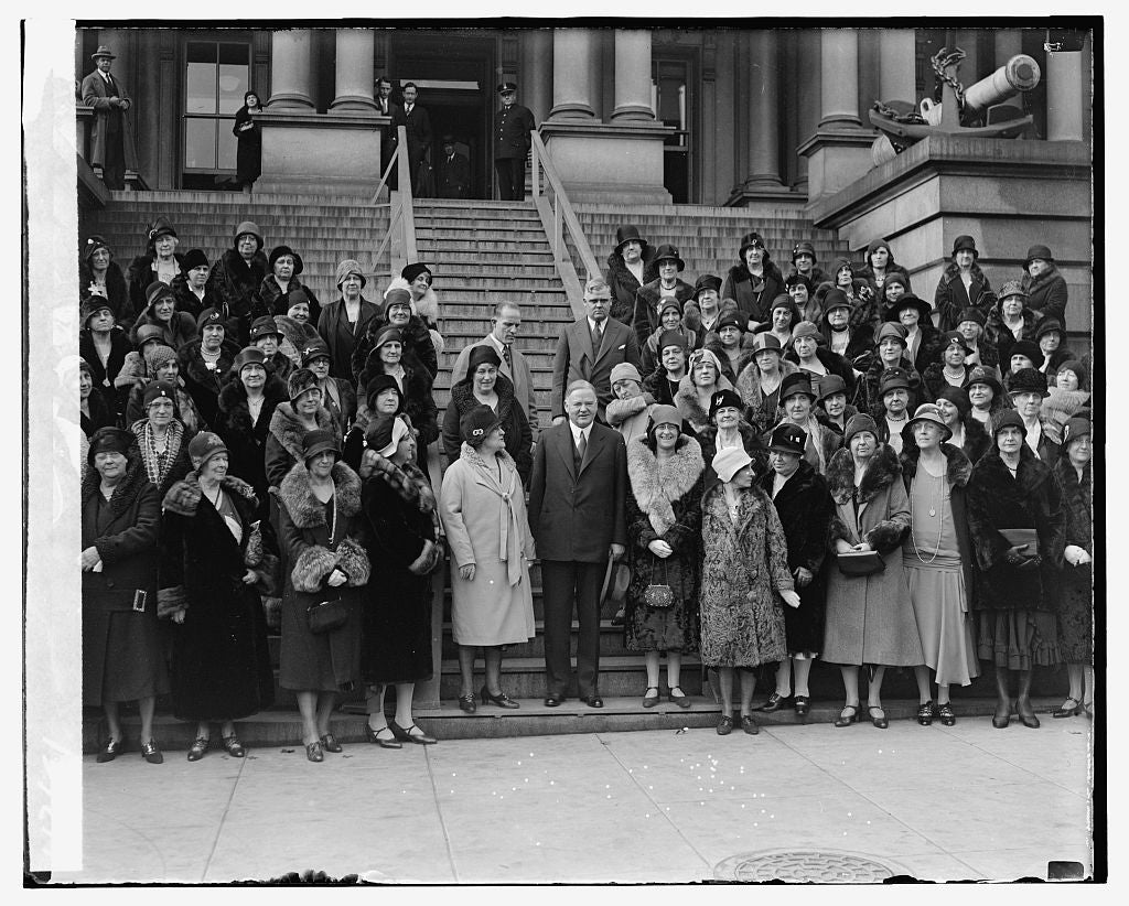 16 x 20 Gallery Wrapped Frame Art Canvas Print of Unidentified group standing on steps 1921 National Photo Co  57a
