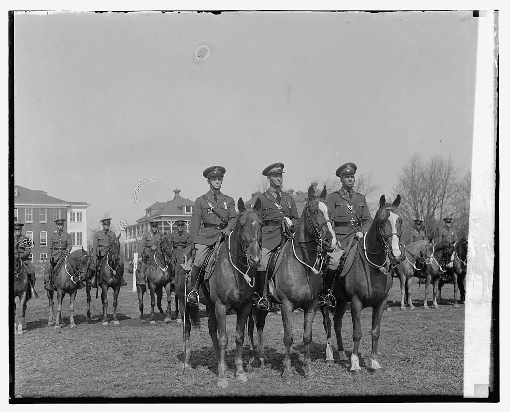 8 x 10 Reprinted Old Photo of Unidentified military men on horseback 1921 National Photo Co  86a