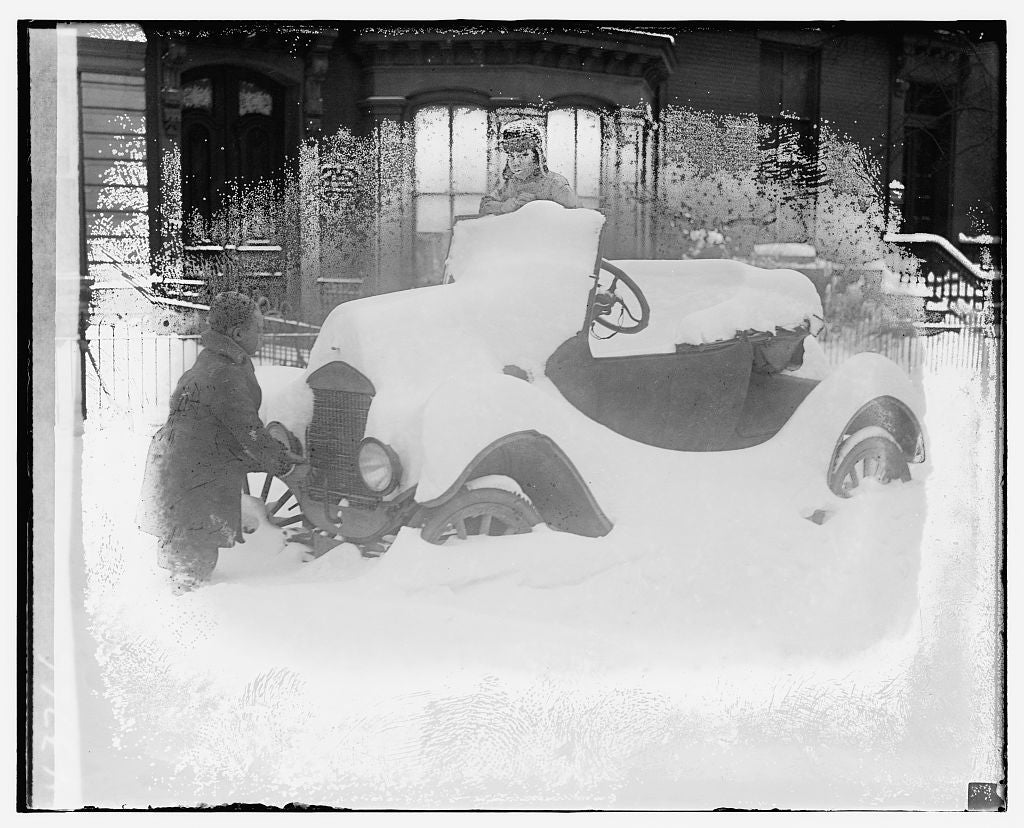 16 x 20 Gallery Wrapped Frame Art Canvas Print of Automobile covered in snow 1921 National Photo Co  17a