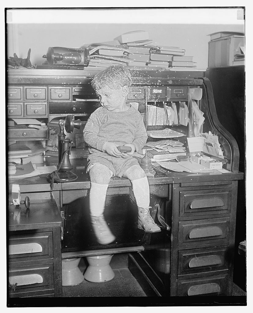 8 x 10 Reprinted Old Photo of Unidentified child seated on desk 1921 National Photo Co  43a