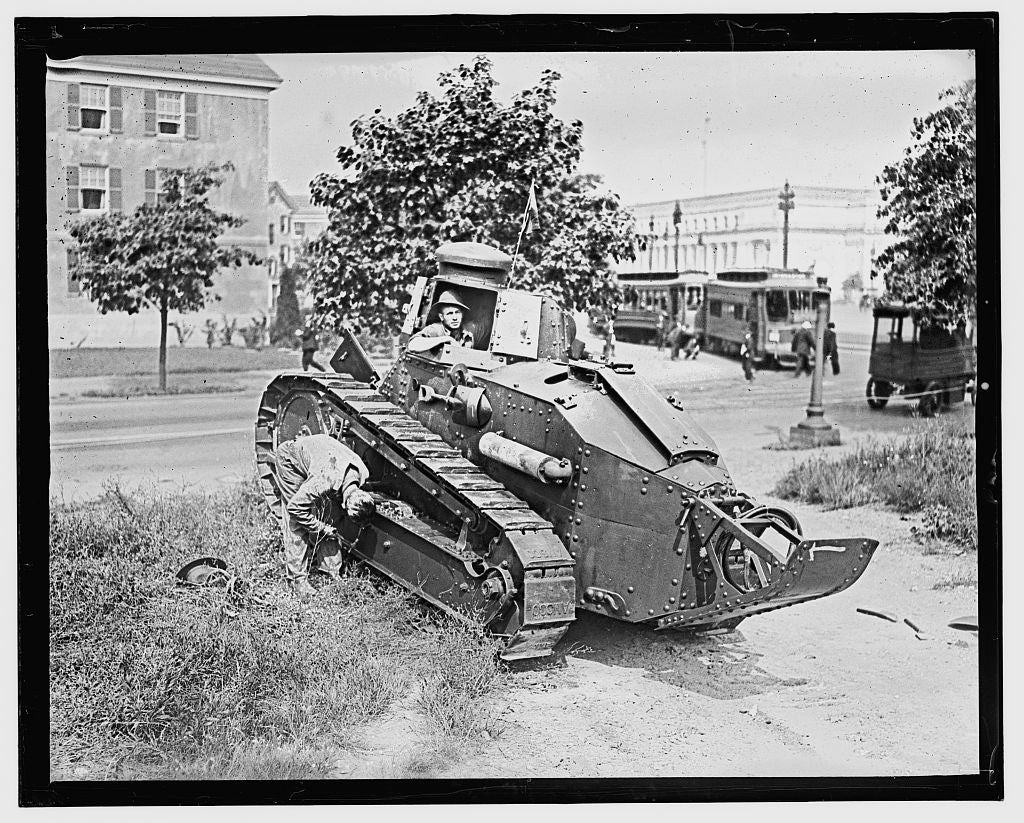 16 x 20 Gallery Wrapped Frame Art Canvas Print of  World War I tank, Wash. D.C. 1909 National Photo Co  83a