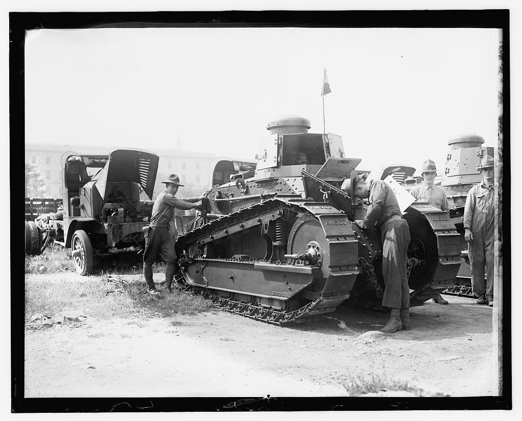 16 x 20 Reprinted Old Photo of World War I tank, Wash. D.C. 1909 National Photo Co  29a