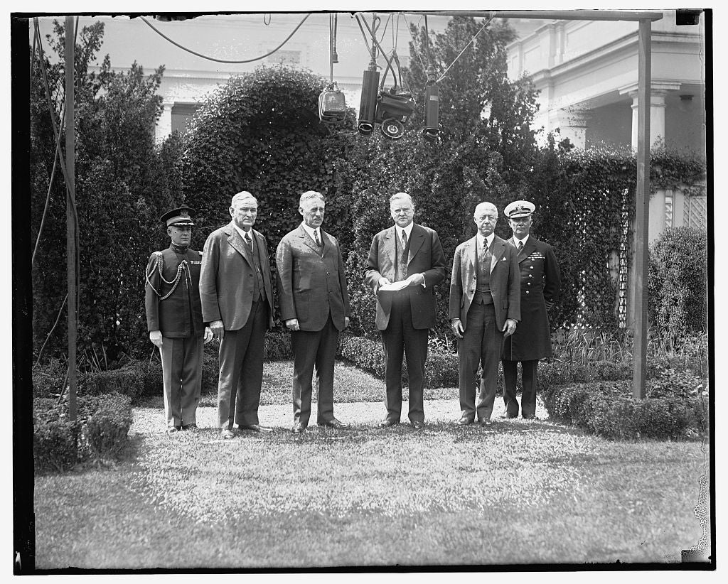 16 x 20 Reprinted Old Photo of Pres. Hoover & group 1909 National Photo Co  31a