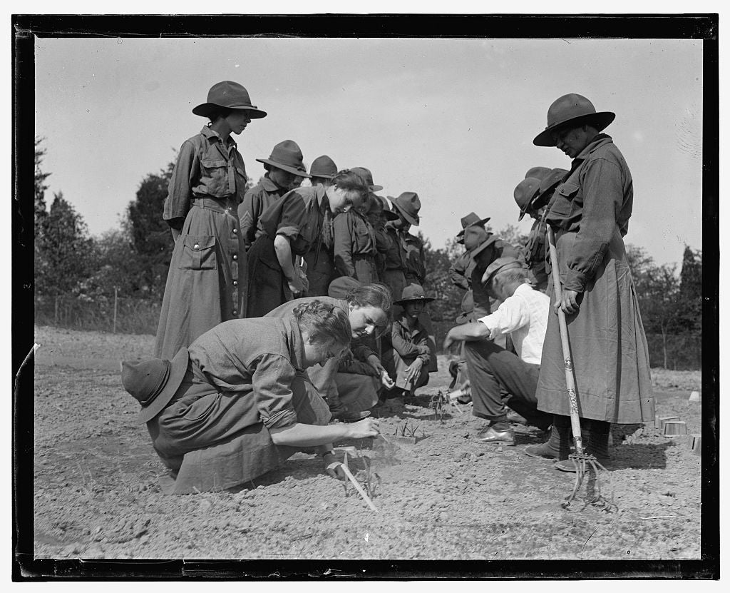 16 x 20 Gallery Wrapped Frame Art Canvas Print of  Camp: planting seeds? 1909 National Photo Co  40a