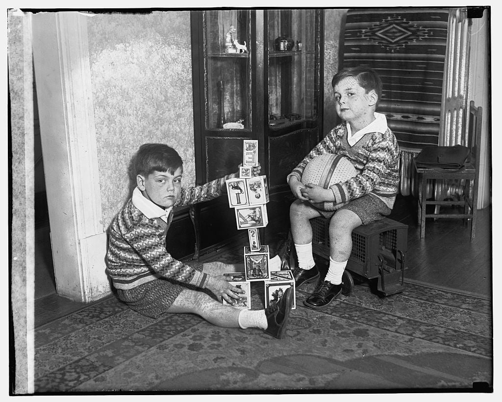 16 x 20 Reprinted Old Photo of Two boys playing 1909 National Photo Co  64a