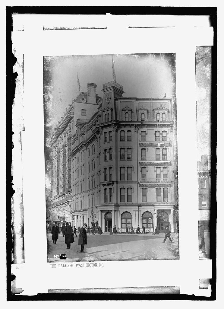 8 x 10 Reprinted Old Photo of  The Raleigh Hotel, Washington, D.C. 1909 National Photo Co  40a