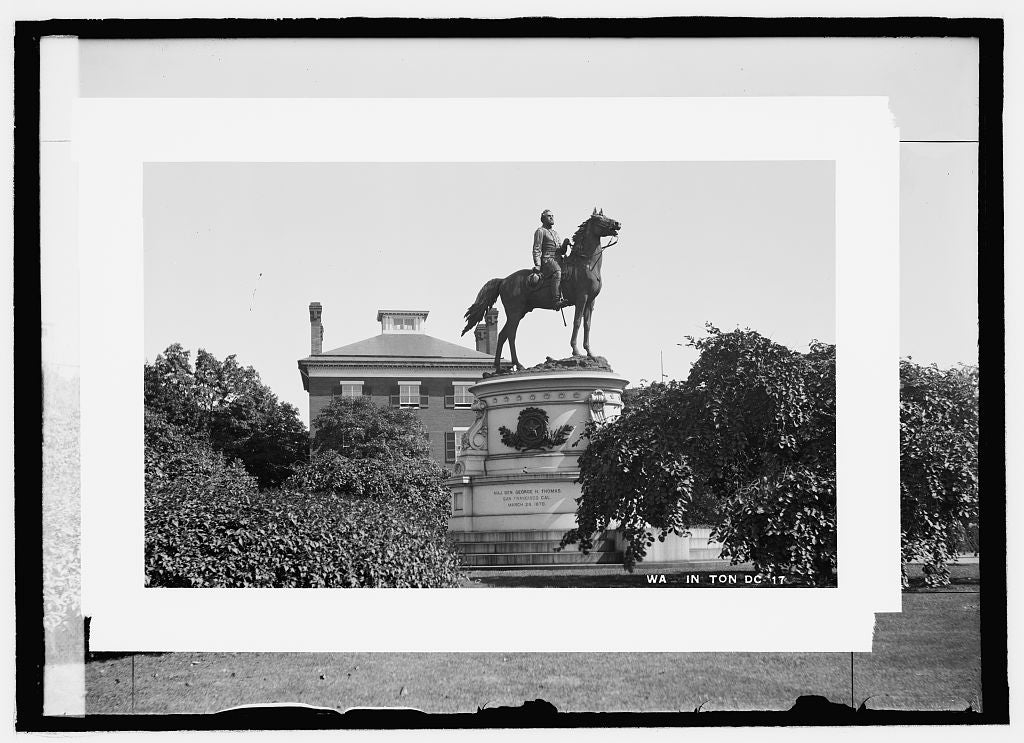 8 x 10 Reprinted Old Photo of  Thomas statue 1909 National Photo Co  50a