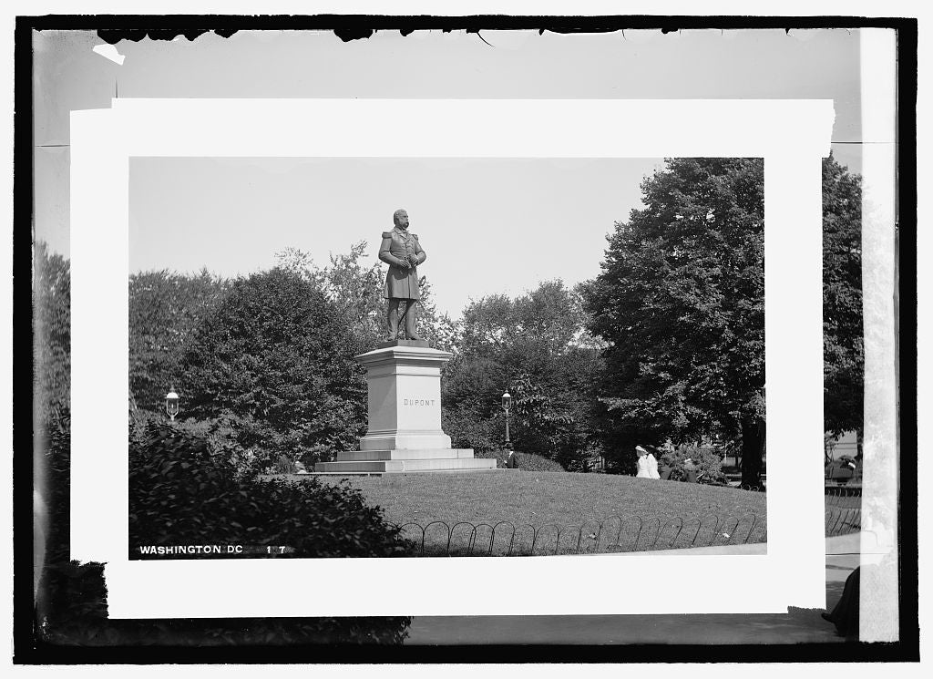 16 x 20 Reprinted Old Photo of DuPont statue 1909 National Photo Co  52a