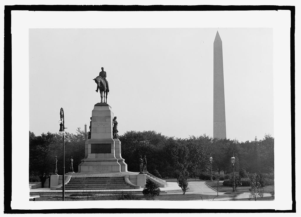 16 x 20 Reprinted Old Photo of Sherman statue & Wash. Monument 1909 National Photo Co  70a