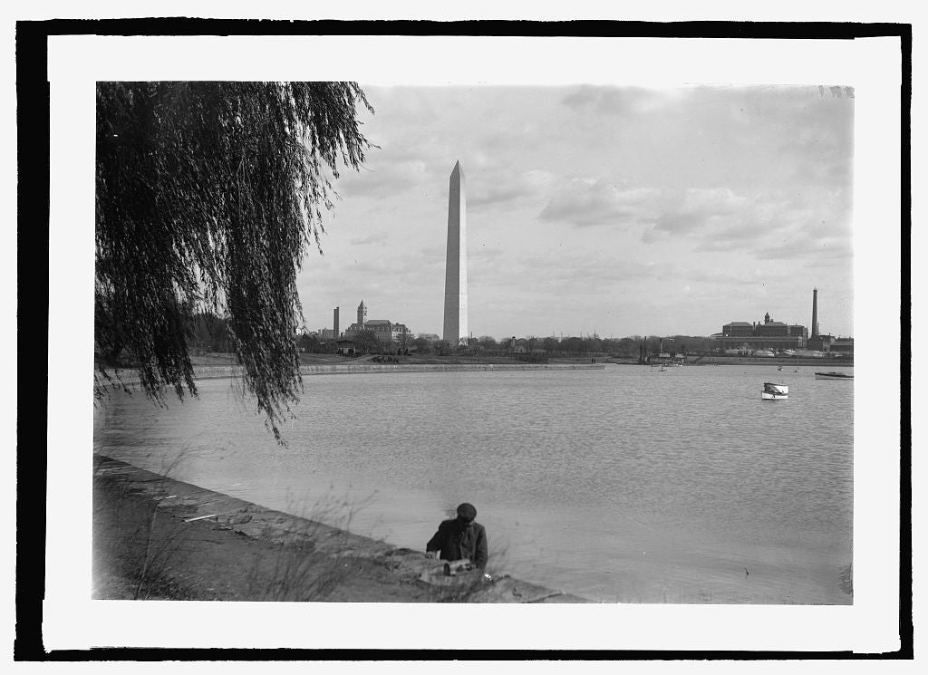 16 x 20 Reprinted Old Photo of Monument & basin 1909 National Photo Co  09a