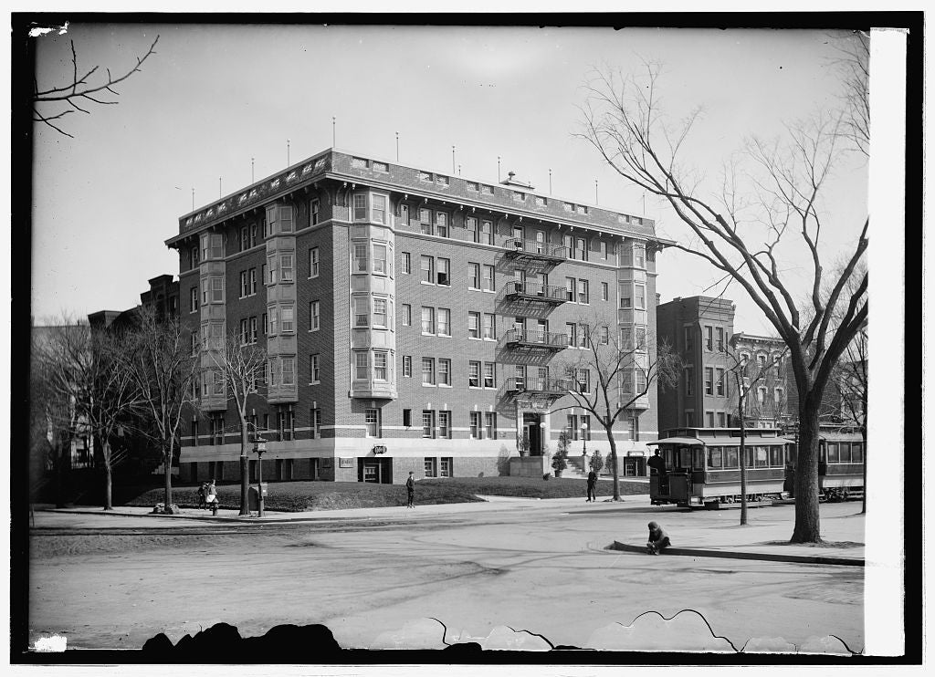 8 x 10 Reprinted Old Photo of Congressional apartment house 1914 National Photo Co  56a