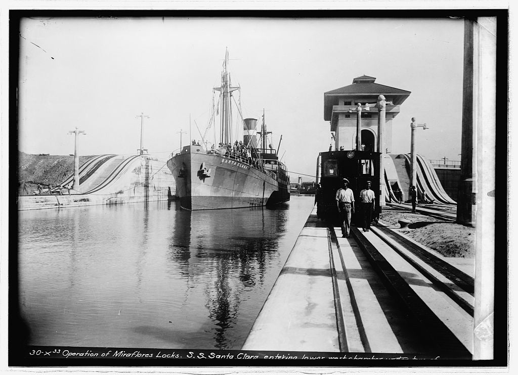 8 x 10 Reprinted Old Photo of Miraflores Lock, Panama Canal 1914 National Photo Co  99a
