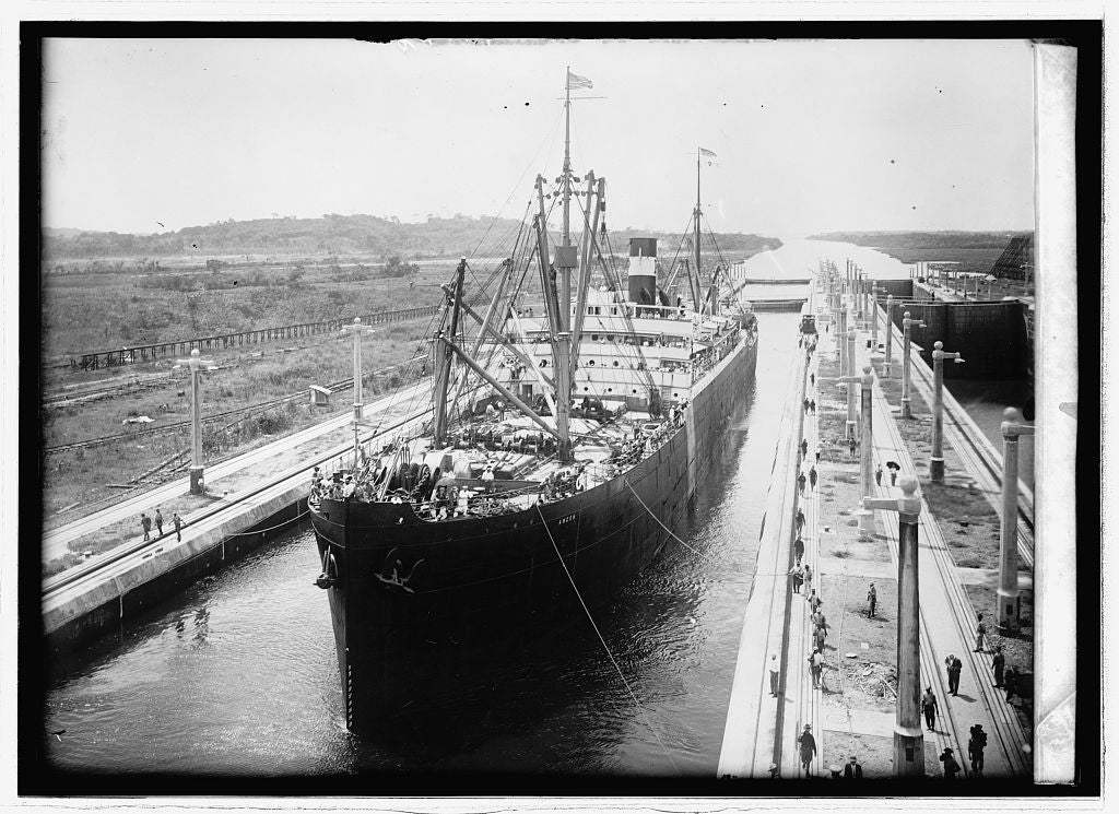 8 x 10 Reprinted Old Photo of Panama Canal. Gatun Lock 1914 National Photo Co  00a