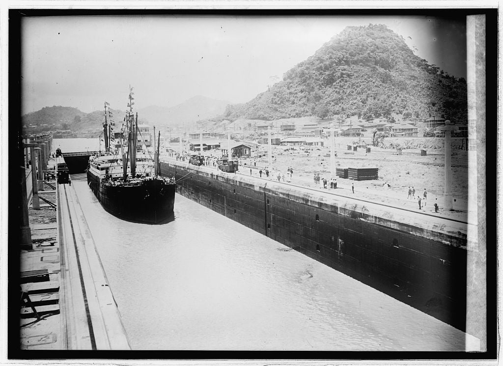8 x 10 Reprinted Old Photo of Pedro Miguel Lock, Panama Canal 1914 National Photo Co  11a