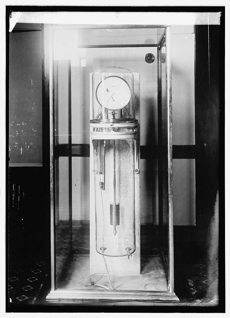 16 x 20 Reprinted Old Photo ofStandard clock, Naval Observatory 1914 National Photo Co  91a