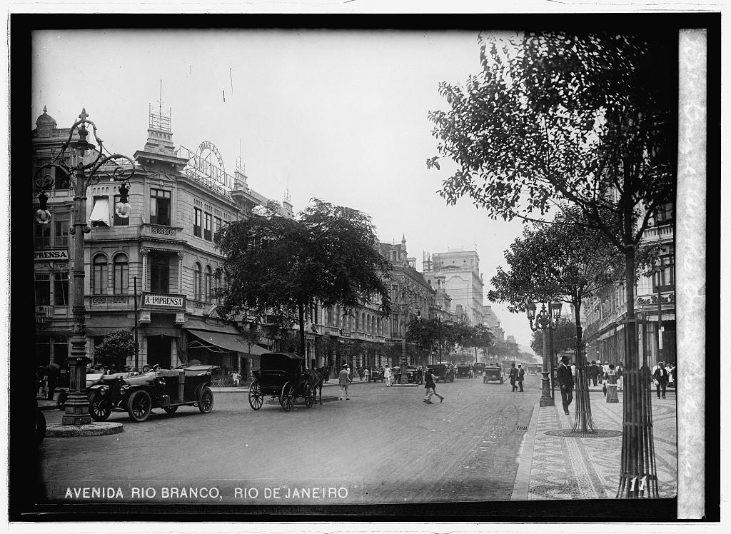 16 x 20 Reprinted Old Photo of: Brazil. Ave. Rio Branco, Rio de Janeiro 1914 National Photo Co  08a