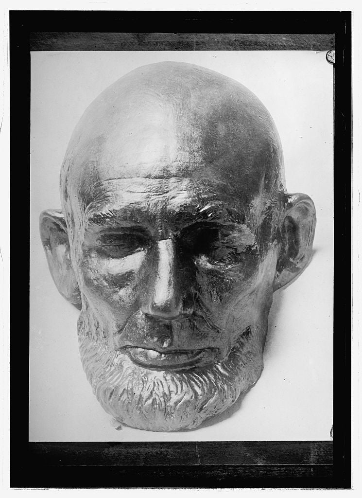 16 x 20 Reprinted Old Photo of [Lifemask of Abraham Lincoln] 1914 National Photo Co  61a