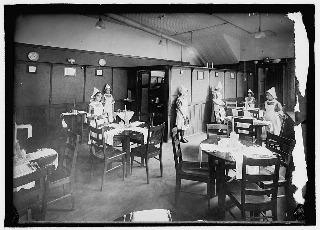 8 x 10 Reprinted Old Photo of Lunchroom equipped by boys and conducted by girls, No. Benner St. Industrial School, Boston 1914 National Photo Co  69a