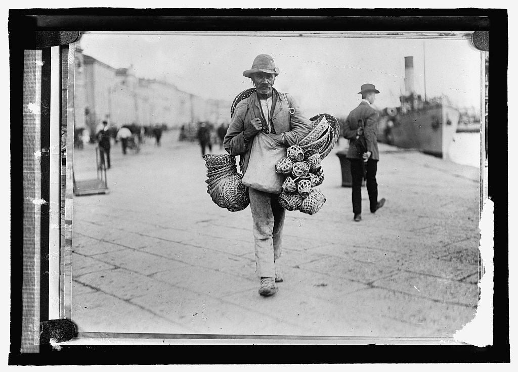 16 x 20 Reprinted Old Photo ofAustria. Slovak peddler, Triest 1915 National Photo Co  28a
