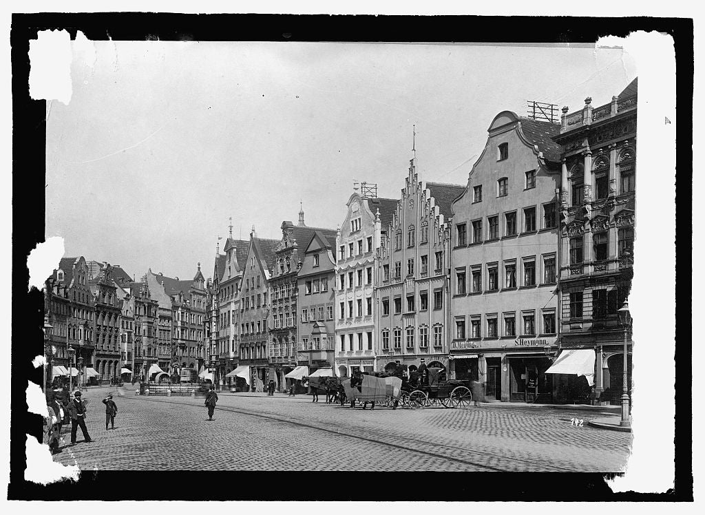 16 x 20 Reprinted Old Photo ofGermany, Augsburg. Maximillia St. with Mercury fountain 1915 National Photo Co  61a
