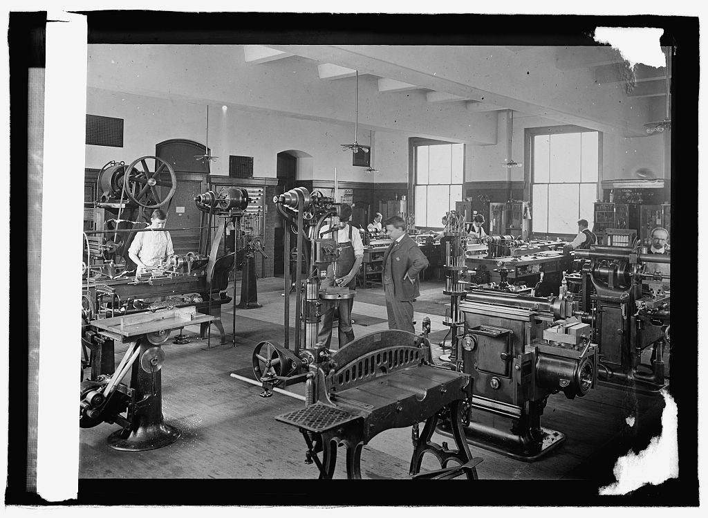 16 x 20 Reprinted Old Photo ofBureau of Standards, Instrument shop 1915 National Photo Co  69a